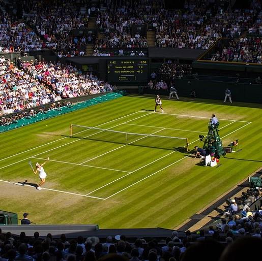Bohdan Tomaszewski prowadził relacje z największych imprez, m.in. z wielkoszlemowych turniejów rozgrywanych na kortach Wimbledonu.